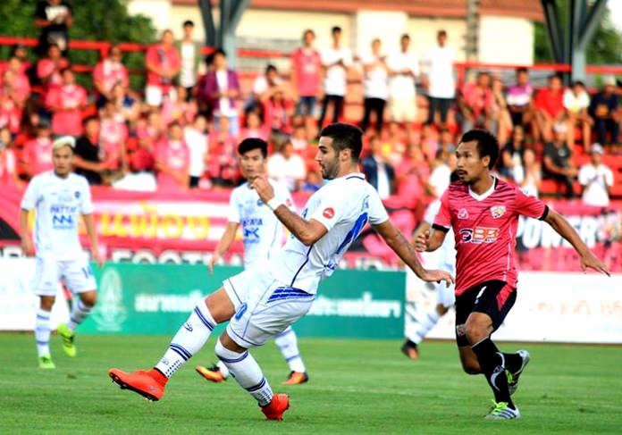 Pattaya United's Lebanese striker Soony Saad (center) scores against BBCU FC during their Thai Premier League match at the Nonthaburi Youth Centre Stadium in Bangkok, Sunday, July 24. (Photo courtesy Pattaya United)