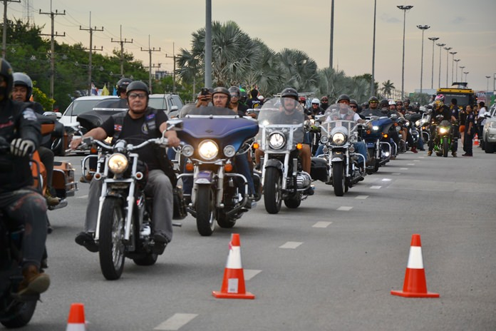Harley riders took part in a ride for peace through Pattaya as part of the grand opening event.