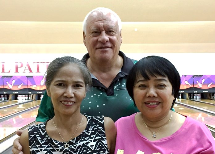 200 Bowlers: Ooy, Peter & Tue.