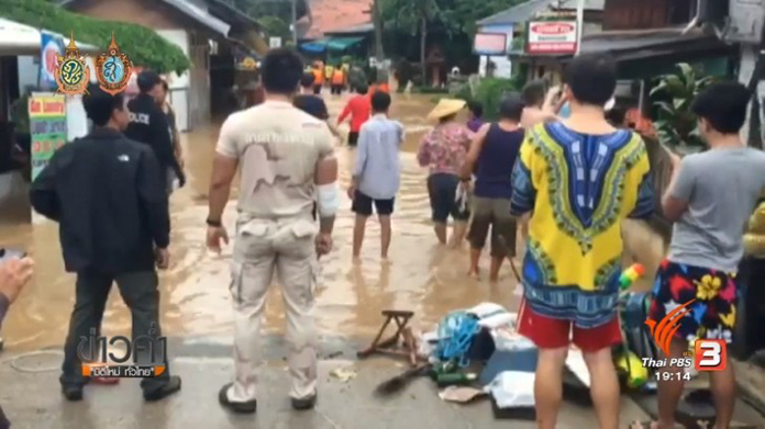 Tourists evacuated from flood hit resorts in Pai district