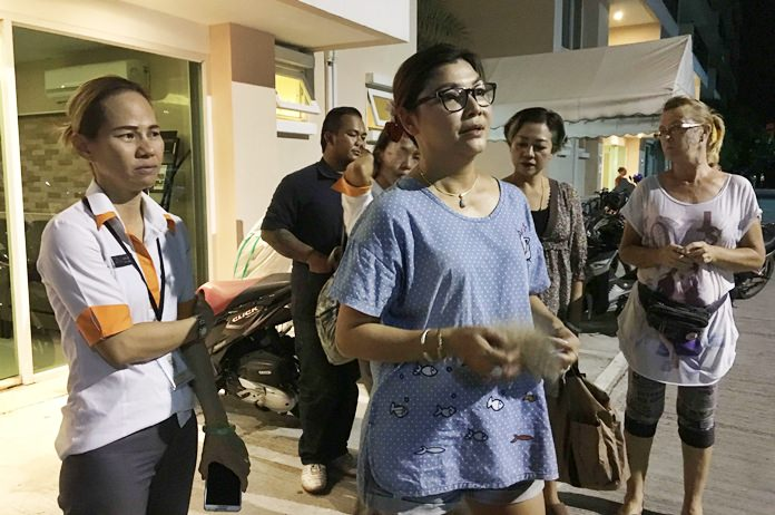 Residents of a local housing development are up in arms because someone allegedly witnessed a German man spray something into the face of a soi dog. The dog has shown no ill effects, but police allegedly told them the German will be arrested if residents think he does it again.