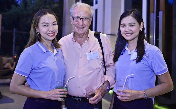 The Bangkok Pattaya crew, Wallapha Sawasdikool, Dr. Iain Corness and Janya Rattanaliam.