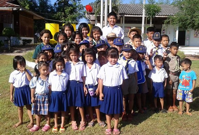 Students gather for a photograph during one of the Rotarians' earlier visits.