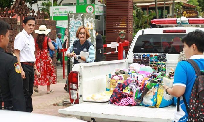Pattaya authorities continue to be strict on hawkers and cart vendors along Pattaya Beach Road.