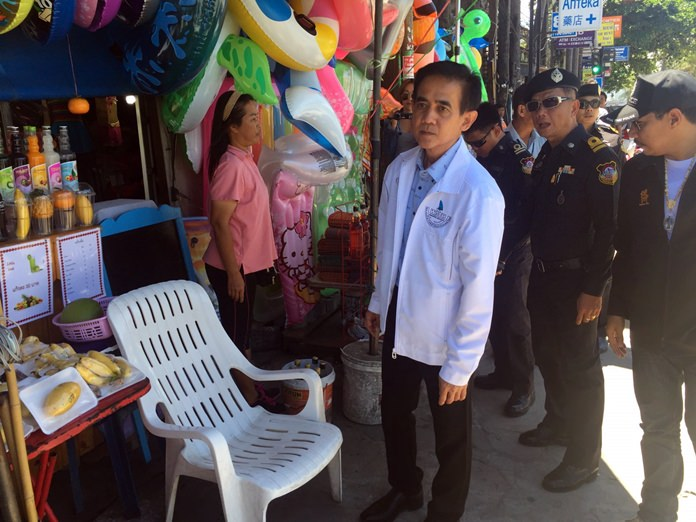 Jomtien shop owners caught setting out retail items on sidewalks were fined 2,000 baht and had their property confiscated.