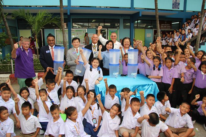 The Rotary Club of the Eastern Seaboard donated 20 water filters to Pattaya School No. 8 to help cut its expenses.