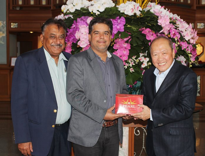 Peter Malhotra, MD Pattaya Mail and Tony Malhotra, GM of the Scandinavian Village in Bang Saen wish Chatchawal all the success in his new venture.