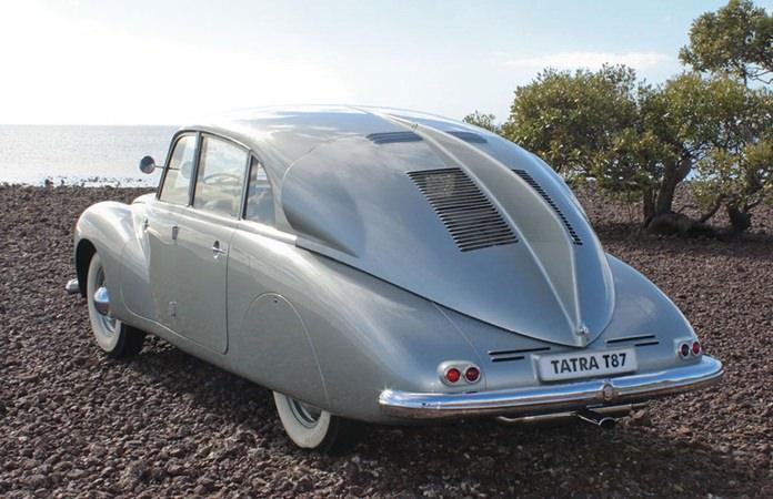 Tatra T87.