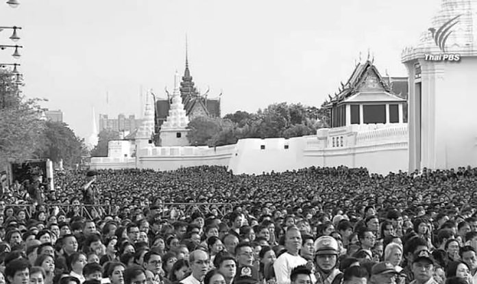 Thailand's mourning features in foreign media