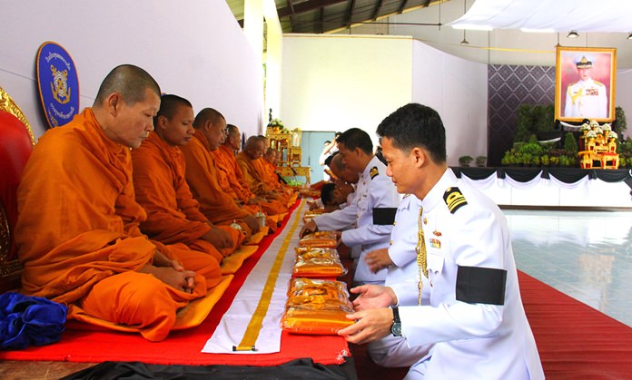 Chumphon Navy School paid tribute to HM the King 15 days after his death.