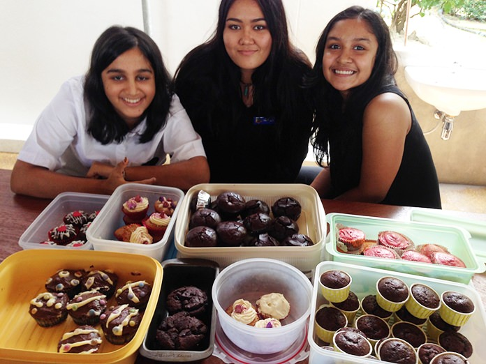GIS students get ready to sample some of the chocolate cupcakes!