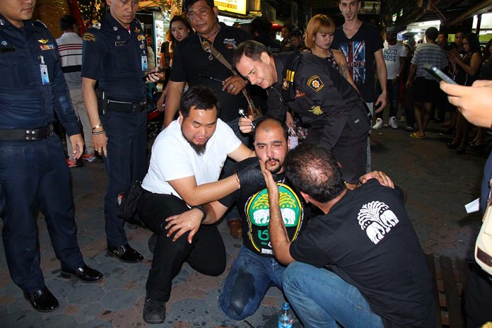 Omid Zabihan ended up on his back with a bloody head after grabbing the buttocks of a big New Zealand man on Walking Street.