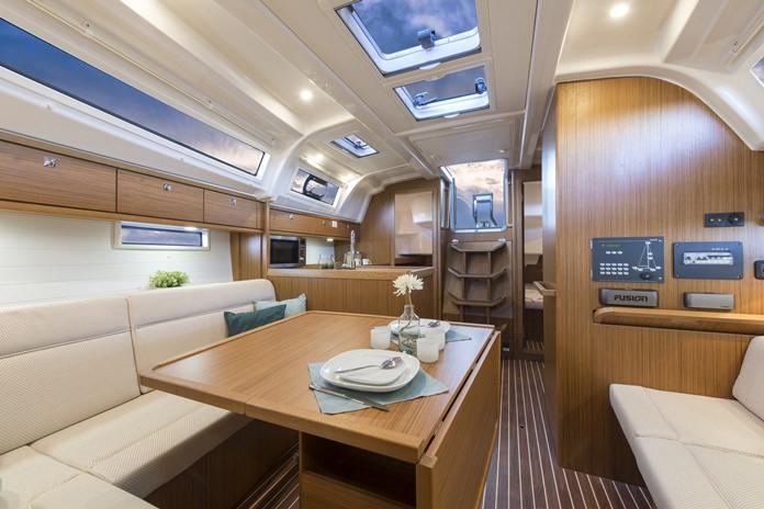 1215s15-yacht2