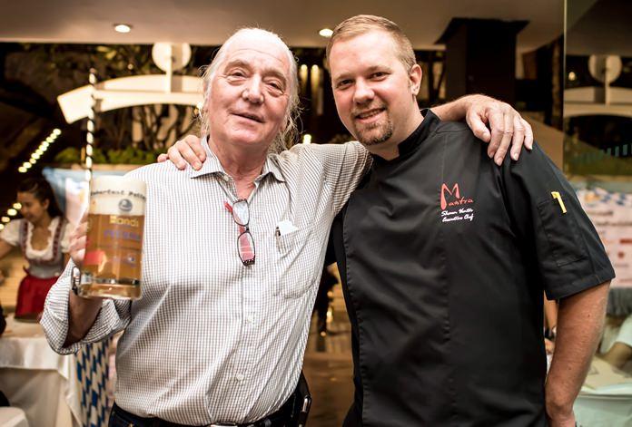 Helmut Buchberger (left) with Amari executive chef Shaun Venter.