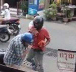 A Pattaya motorcycle taxi driver is wanted for brutally assaulting an elderly foreign man in an attack captured on video.