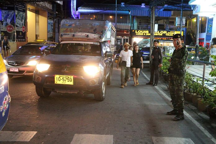 The military mobilized last week to keep baht buses and taxis from parking illegally around the Beach Road / South Road intersection.