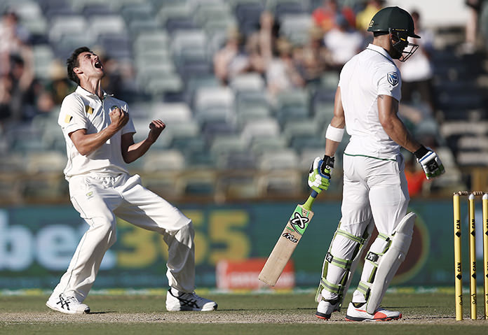 Du Plessis out, South Africa relying on Cook in 3rd test