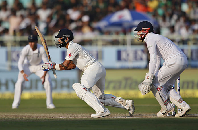 Kohli to rescue as India lead England by 298 in 2nd test