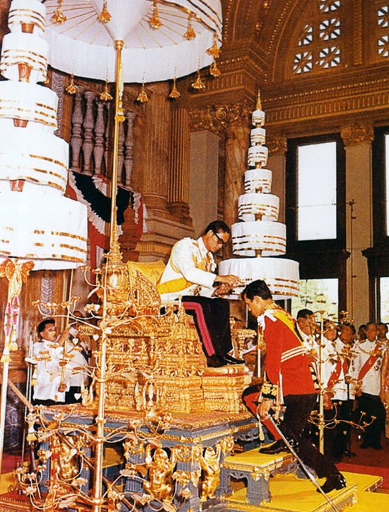 HM King Bhumibol Adulyadej appoints HRH Crown Prince Maha Vajiralongkorn royal heir to the throne in accordance with the Palace law on December 28, 1972.