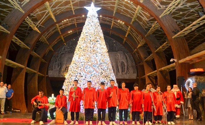 Children from the Father Ray Foundation delight the crowd with heart-touching Christmas Carols.