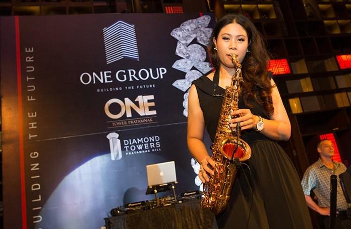 Virtuoso Sax playing by K Pang.