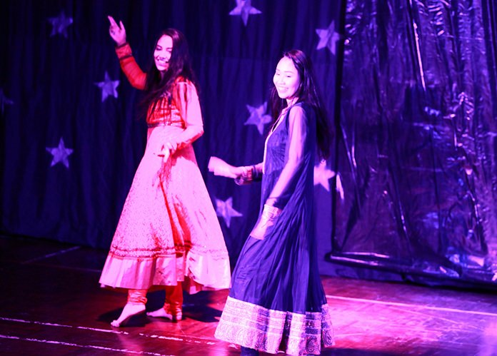 Two IB students from GIS dance at Diwali.