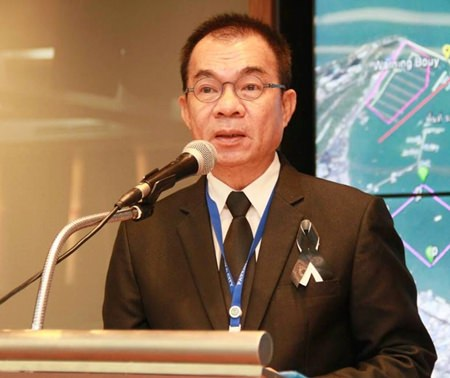 Pattaya City Manager Wuthipol Charoenpol chaired a meeting with jet ski vendors aimed at improving tourist security following a handful of recent accidents.