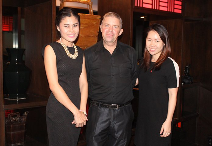 Benjamas Sitthi, public relations manager at Mantra, with Paul Strachan from the Pattaya Mail and Khwanjira Jinantaravong, assistant director marketing communication for the Amari Pattaya.