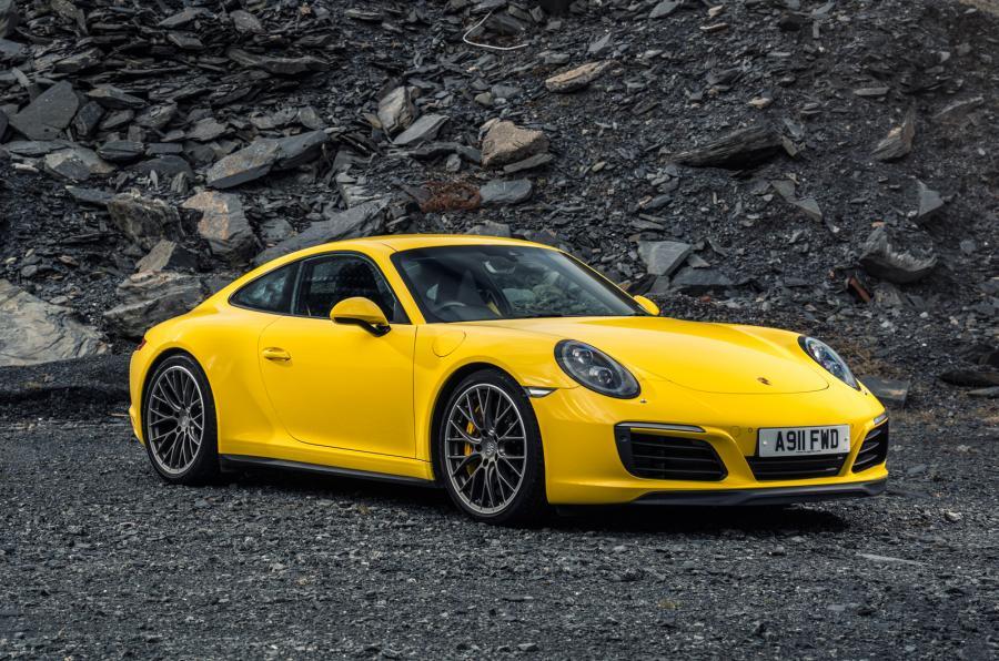 Porsche Carrera 4S.