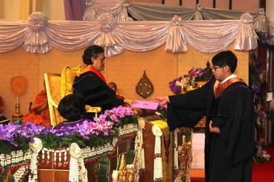 Her Royal Highness Princess Maha Chakri Sirindhorn representing HM the King awarded degree certificates to 7,270 Chiang Mai University students on Monday, January 23, 2017.