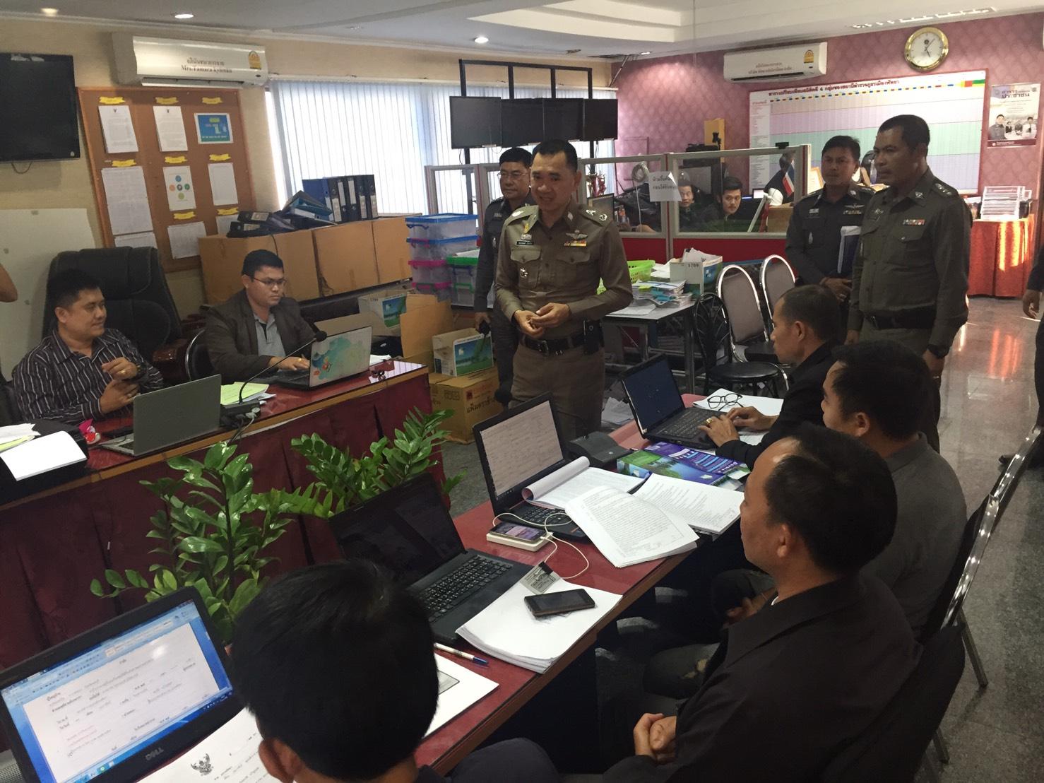 Maj. Gen. Somprasong Yentuam, commander of Chonburi Police, Addresses the force during his recent inspection visit to Pattaya.