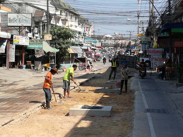 Authorities are promising that extensive roadwork to upgrade Soi Khao Noi will be complete before the end of March.
