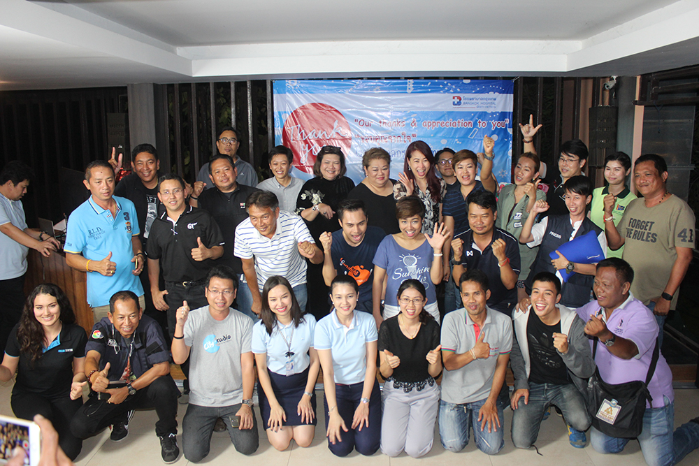Bangkok Hospital Pattaya thanked the media for a year of good coverage with a party and prize drawing.