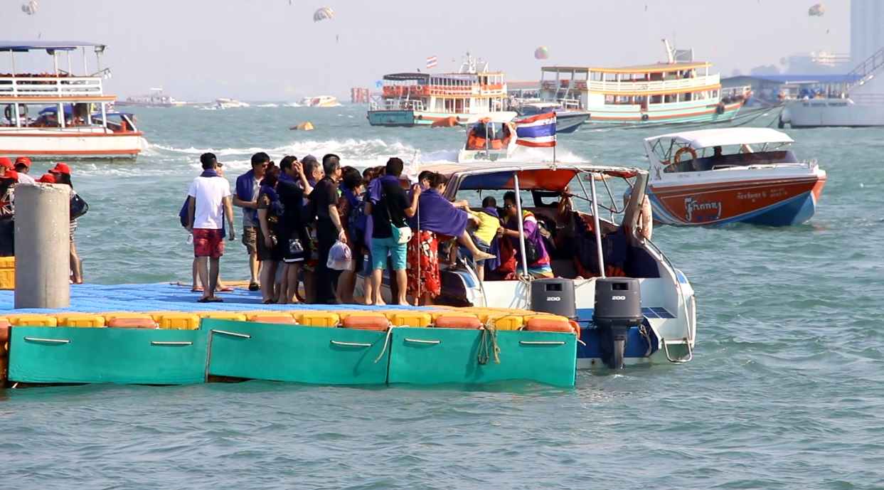 Director Eakaraj Kanthathorn said the Marine Department will now provide special officers to be responsible for the safety of tourists who might fall on or from pontoons.