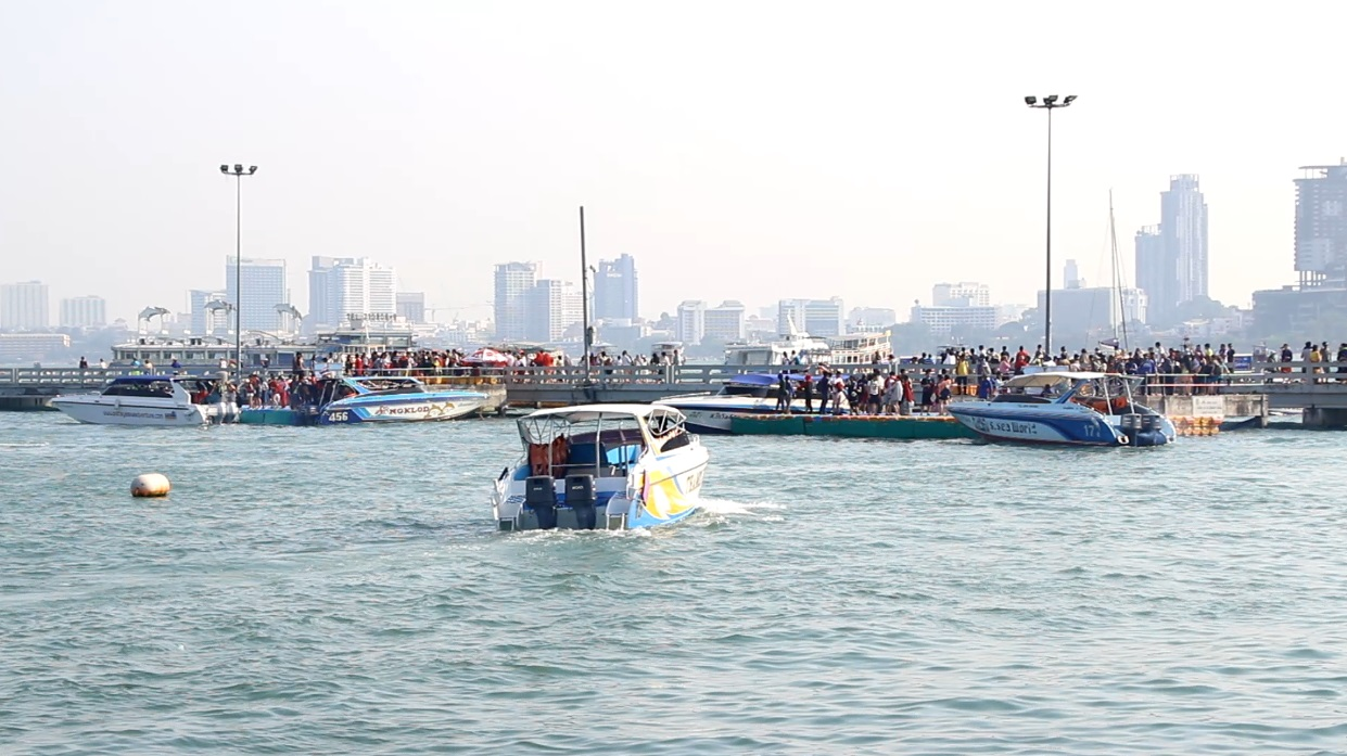 The Association of Thai Travel Agents said moving all speedboat boarding to Bali Hai Pier has not damaged Pattaya's tourism industry despite complaints about long lines and unsafe conditions. (Story on page 2.)