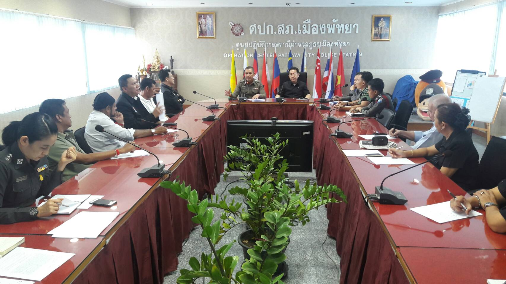 Police Chief Apichai Kroppech and Banglamung District Chief Naris Niramaiwong met with officials to outline the specifics of the proposed happy zones.