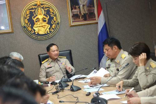 Thailand News 09-03-17 NNT 2 Bangkok Police tasked with expediting help for vagabonds 1JPG