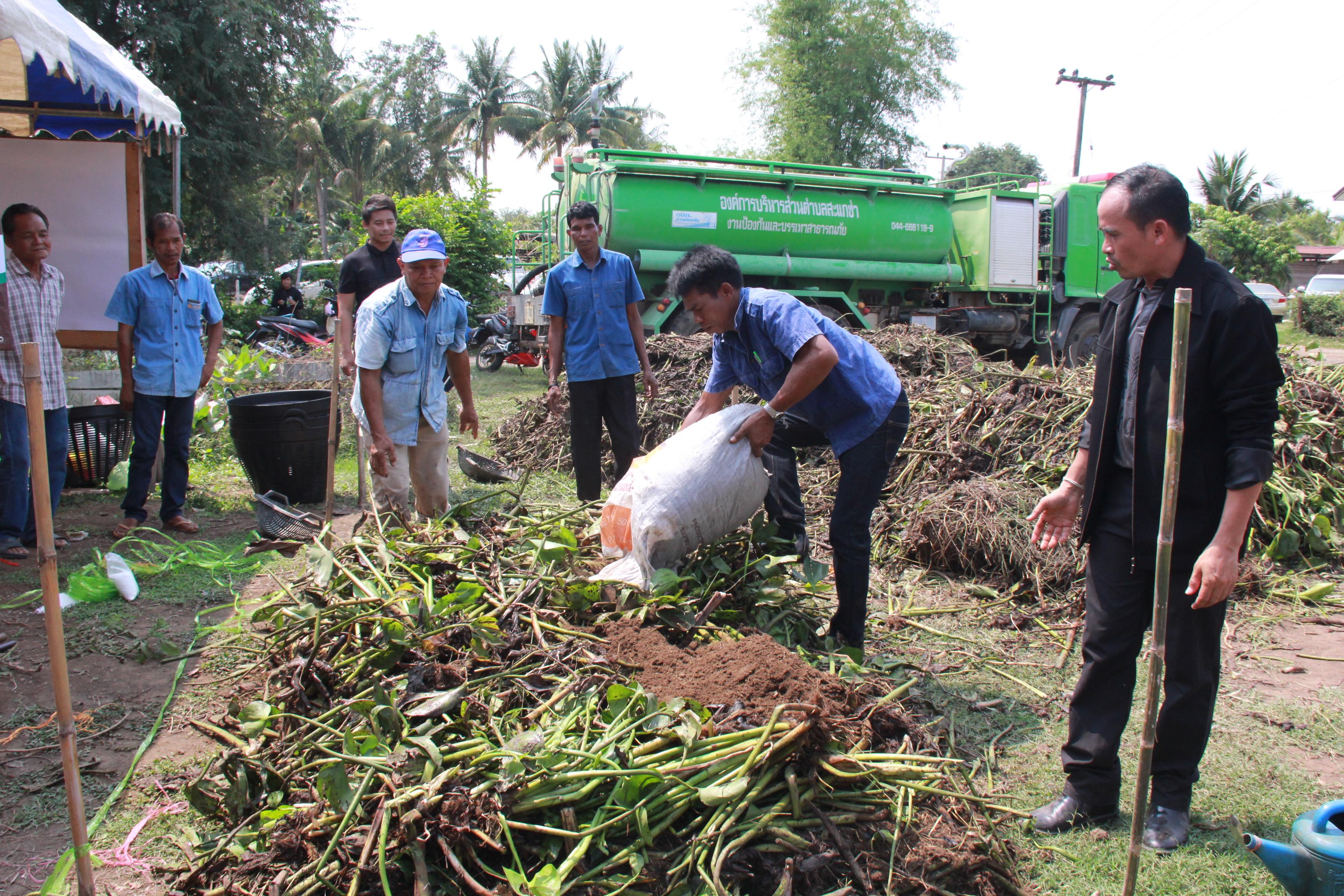 Thailand News 27-03-17 2 NNT Buriram launches canal cleanup to boost water storage 1JPG