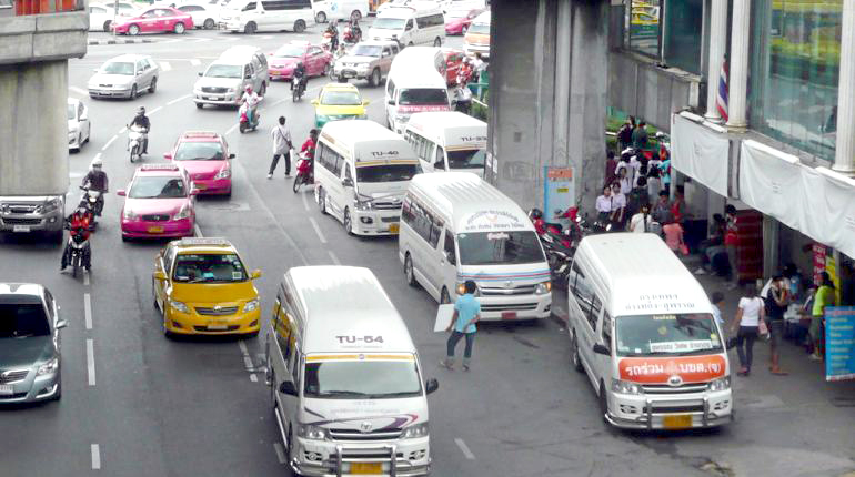 Thailand News 30-03-17 NNT 2 DLT to provide compensation to van operators affected by new regulations 1JPG