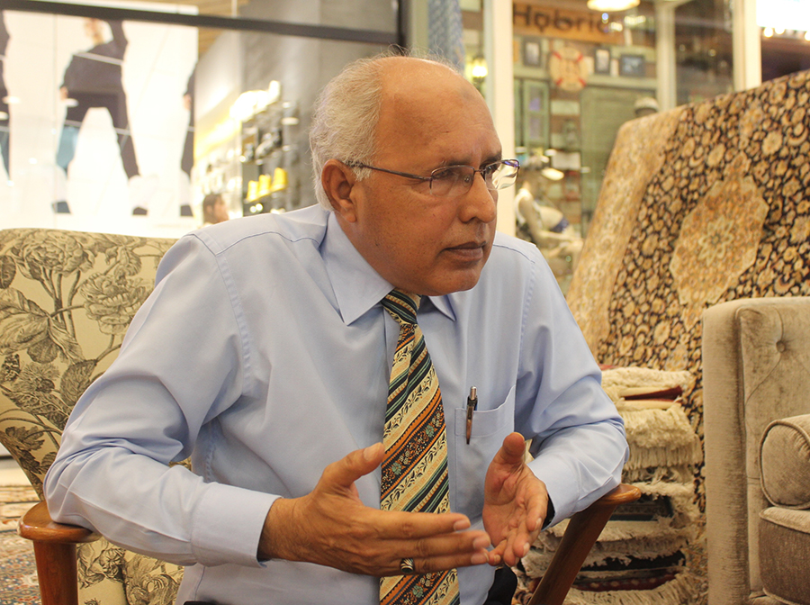 Malik Munir explains the manufacturing method behind hand-knotted rugs and carpets.