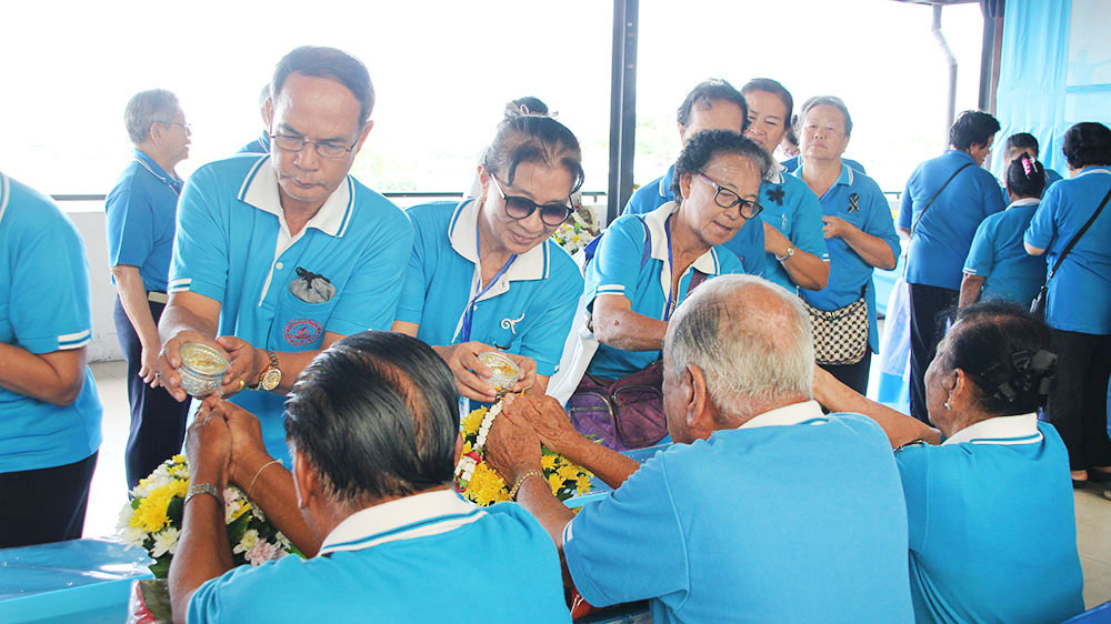 Pattaya officials honored the city's senior citizens with a traditional Songkran water-blessing ceremony.
