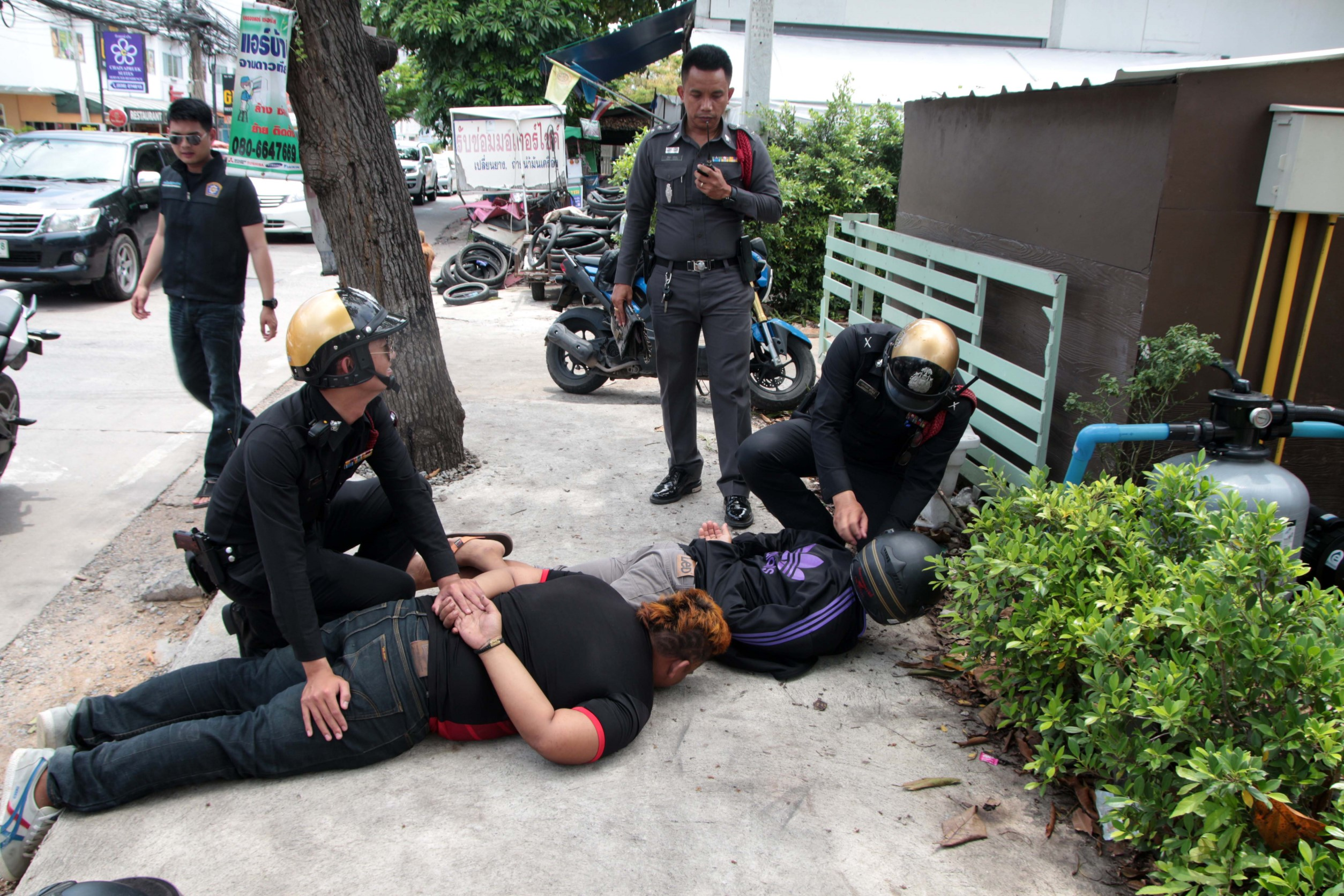 Hoping to ease Pattaya's pandemic of snatch-and-run robberies, police practiced how to catch such thieves in a real-life simulation.