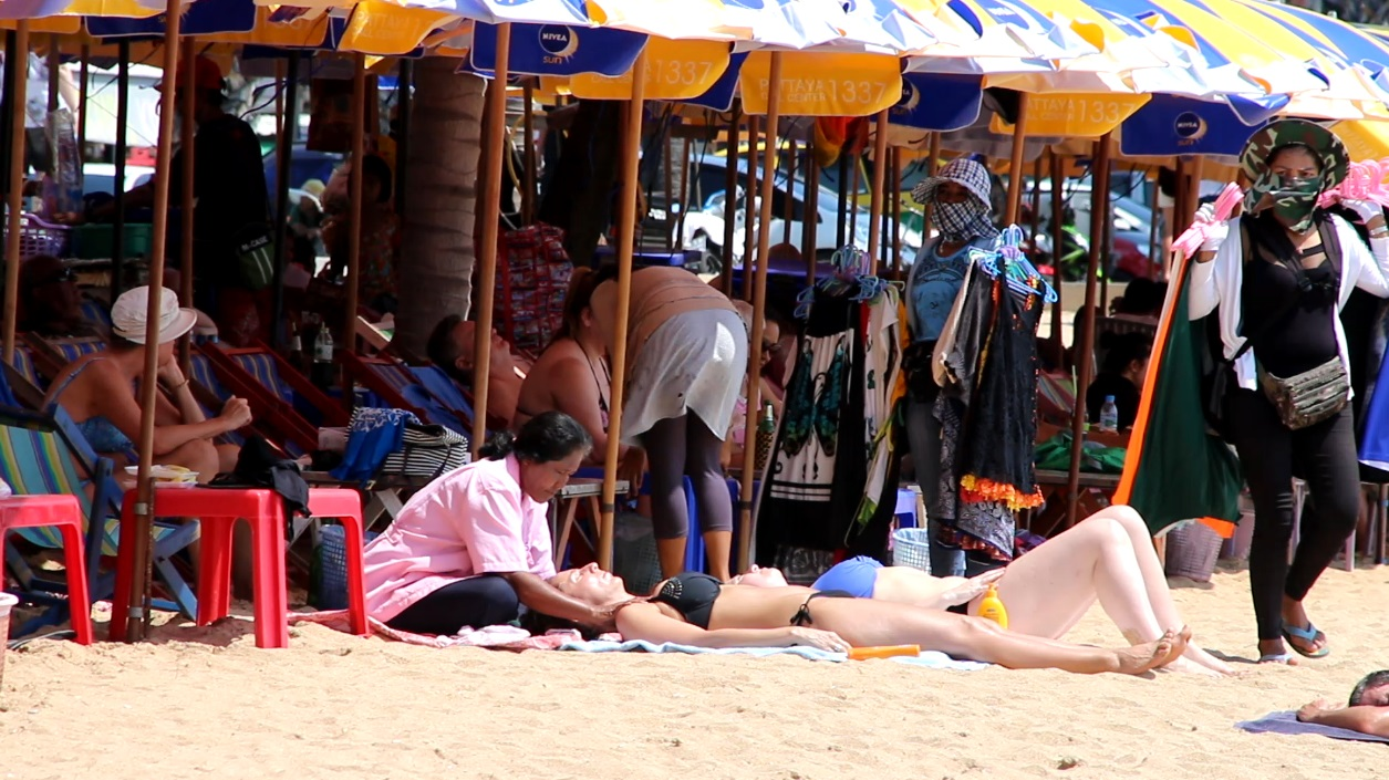 The majority of masseuses on Jomtien Beach are happy they united as a club, saying it ensures better service for customers and less problems for themselves.