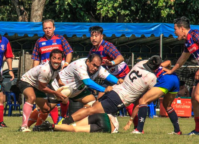 Pattaya Panthers attempt to move the ball against Hong Kong Scottish on day 2 of the Chris Kays Memorial 10's Rugby Tournament at Horseshoe Point in Pattaya, Sunday, April 30. (Photo/Harpic Bryant)