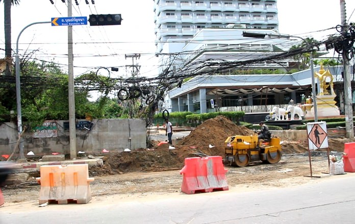 Extensive construction on Soi Wat Boonkanjanaram will be complete by the end of May, the contractor hired to upgrade the drainage system there said.