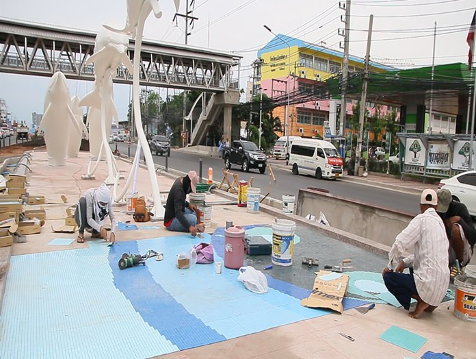 All that remains to be done is to install traffic signs, paint barriers, finish the road surface in some areas, landscaping and adjust the lights at the Central-Sukhumvit roads intersection.