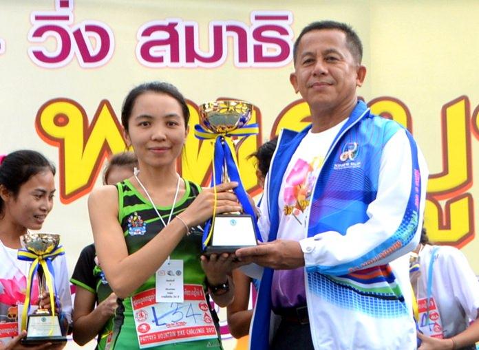 Nittaya Sriraksa from Team Pumpui Running Chonburi was the first to cross the finishing line in the women under-35 category.