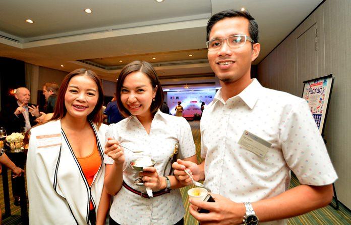 Siripoom (Kwaang) Boonmamuang, PR & event manager of New Nordic Group, chats with Wallapha Sawasdikool and Metas Pukmahamad from Bangkok Hospital Pattaya.