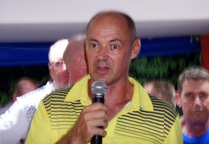 The owner of the Outback Golf Bar Andre Coetzee gives a brief introduction to the guests.