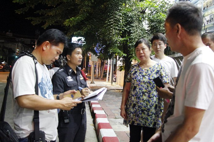 Thieves made off with 30,000 baht in cash and electronics when they snatched the handbag of a Chinese tourist.